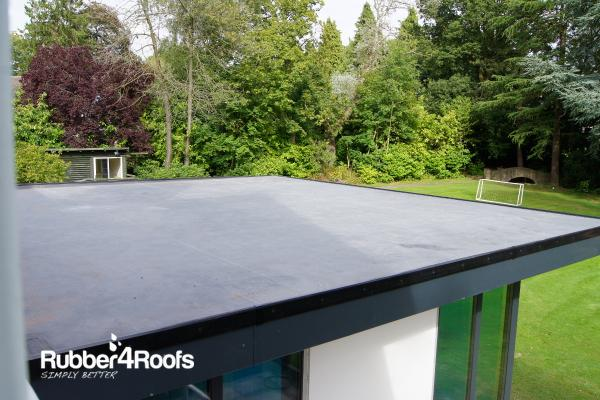 Epdm Rubber Roofs Are Better Looking Than Felt Roofs
